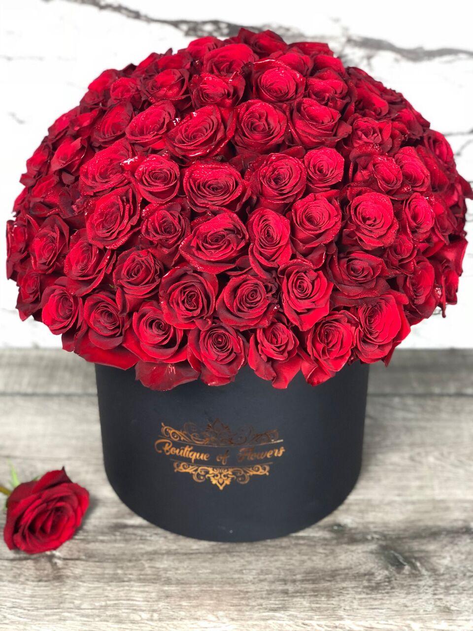 100 RED ROSE LARGE ROUND BOX